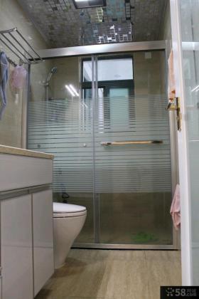 卫生间毛巾架效果图