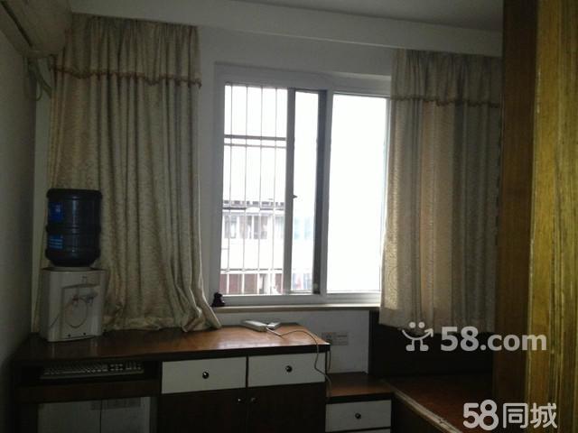 ,房屋效果图,鼓楼乌含巷2楼 3室1厅75平米 精装修 押一付三