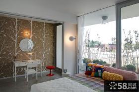 带阳台的卧室背景墙装修效果图2012