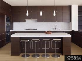褐色的厨房橱柜装修效果图