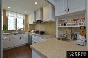 半开放式田园家庭厨房装修设计图片