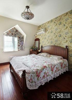 美式田园风格三居卧室墙纸效果图