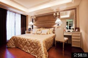 温馨欧式卧室装修图