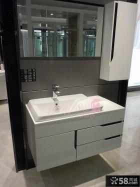 简约风格法恩莎浴室柜图片