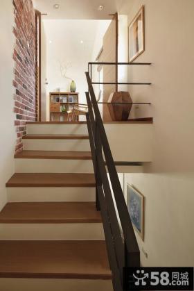 日式小复式楼梯装修效果图片