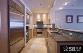 小户型U型厨房装修设计