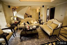 复式楼客厅真皮沙发摆放设计效果图