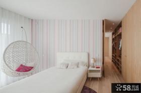 现代简约卧室床头条形壁纸背景墙效果图