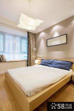 简约二居卧室飘窗设计
