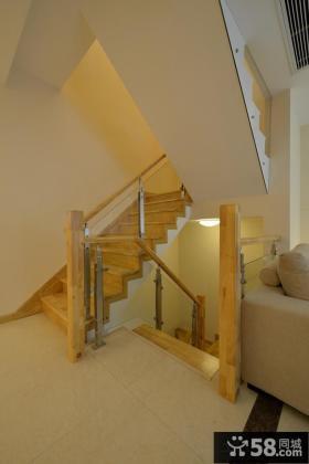 简约风格复式楼室内实木楼梯设计图