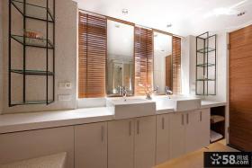 日式复式家庭卫生间装修效果图