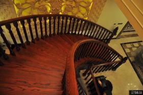 别墅实木楼梯踏步装修效果图
