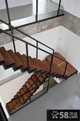 复式房屋楼梯