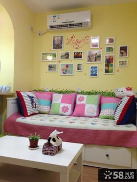 小户型客厅照片墙设计图片