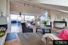 斜顶小复式楼客厅装修效果图