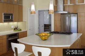 90平三室一厅开放式厨房吧台装修图