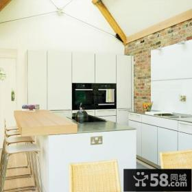 小户型整洁实用的家庭厨房橱柜装修效果图