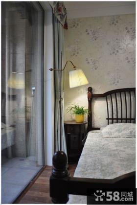 温馨卧室壁灯图片