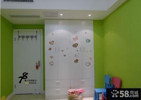 卧室白色房门图片