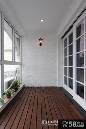 现代简约风格阳台简单装修图片