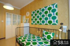 小户型单身卧室墙纸效果图片