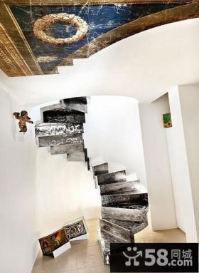 阁楼旋转楼梯图片