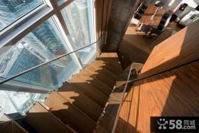 现代挑空复式室内楼梯效果图片
