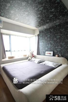 现代风格小户型卧室飘窗效果图