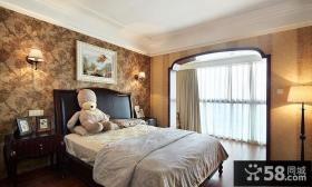 美式家居带阳台卧室装修图片