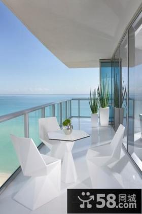 温馨舒适的白色简约风格装修阳台图片