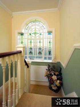 欧式墙裙楼梯效果图