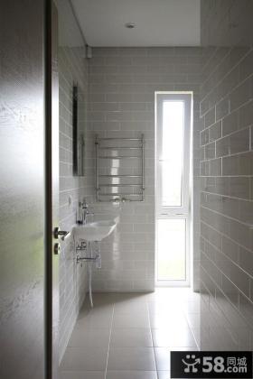 立陶宛极简复式卫生间设计