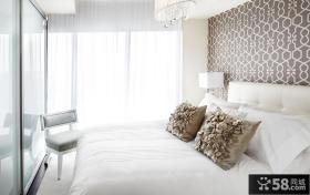 现代简约风格卧室床头壁纸装修效果图