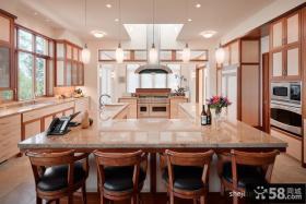 厨房吧台装修效果图 美式温馨现代别墅设计