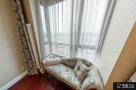欧式风格卧室飘窗沙发效果图