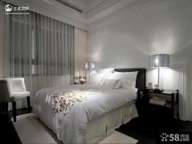 2013欧式风格主卧室床头背景墙装修效果图