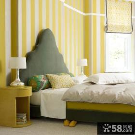 现代混搭卧室墙纸装修效果图