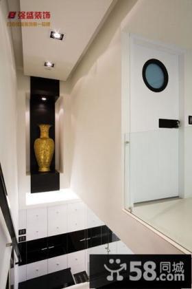 简约风格小复式楼梯间设计