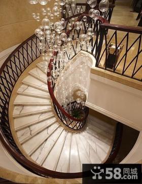 别墅旋转楼梯装修设计图