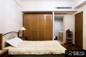 现代风格卧室实木衣柜装修效果图