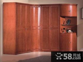 欧式风格转角衣柜设计效果图
