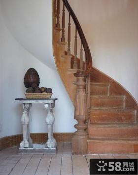 复式房楼梯装修效果图