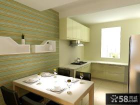 两室两厅餐厅背景墙装修效果图