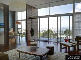 复式楼客厅简单的茶几装修效果图