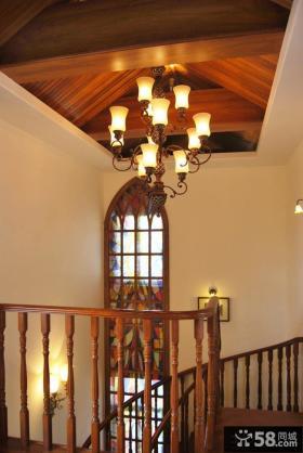 复式豪华别墅楼梯间吊顶图片