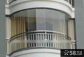 现代无框阳台窗设计