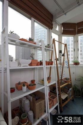 现代公寓家居阳台装饰设计图片