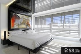 白色简约的复式楼卧室装修效果图大全2014图片