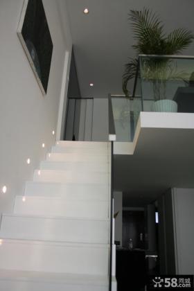 复式楼楼梯装修设计效果图