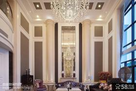 别墅挑高客厅镜面背景墙装修效果图